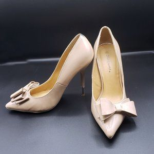 90s Nude Patent Bow Pumps by Diva Lounge - Size 8
